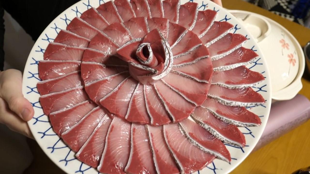 顶级鱼片火锅,绝品冰见寒鰤肉质肥美鲜嫩一次过足瘾!