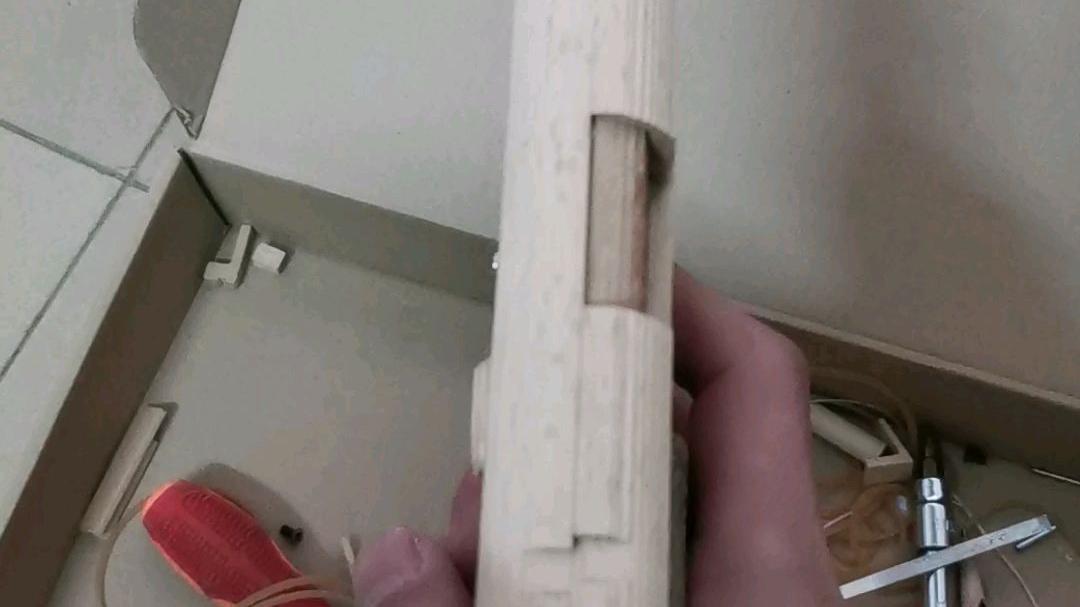 木头制作的抛壳玩具