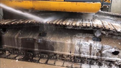 【洗车】今天洗台挖掘机