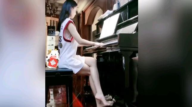 ★求投五蕉★钢琴弹得好不好,大家一眼便知道    健康观察437期