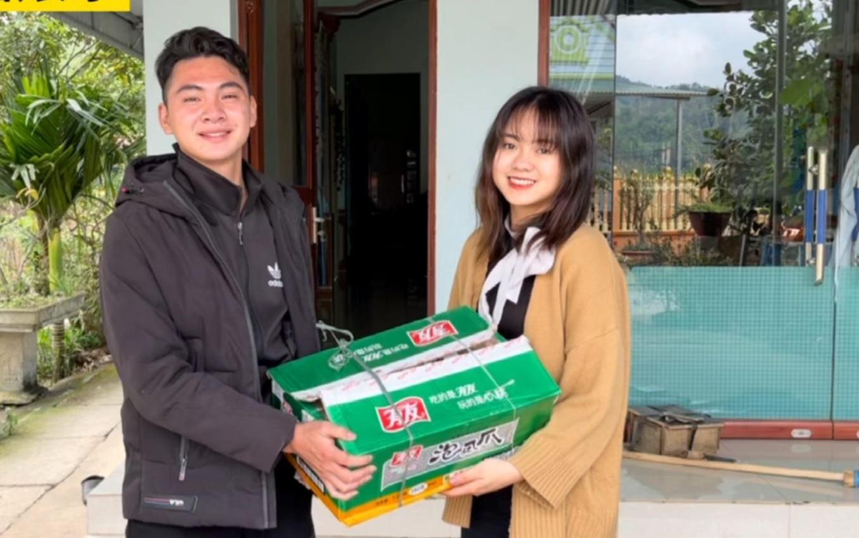 第一次拜访甘蔗妹,到了才知她家是村里首富!PS:越南一年四季都可以种甘蔗哦!