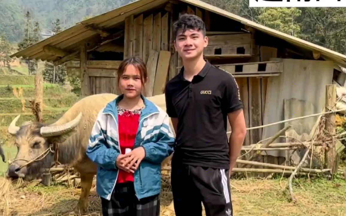 去山区找心爱的苗族妹玩耍,跟她一起放牛。给大家多了解一下北越的生活