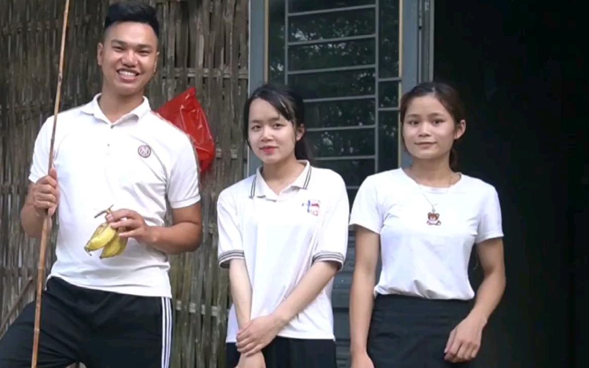 越南阿俊去女友家玩,阿俊还想帮丈母娘放牛,真是个心机boy!