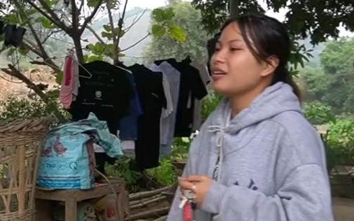 越南姑娘来阿辉家玩,她曾在中国福建留学,跟她聊太开心了。