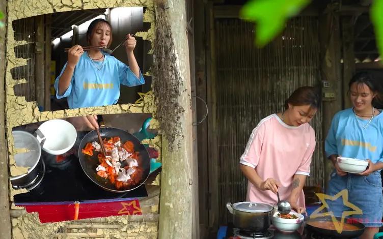 下雨天小粉和小竹去市场买菜回来煮饭吃
