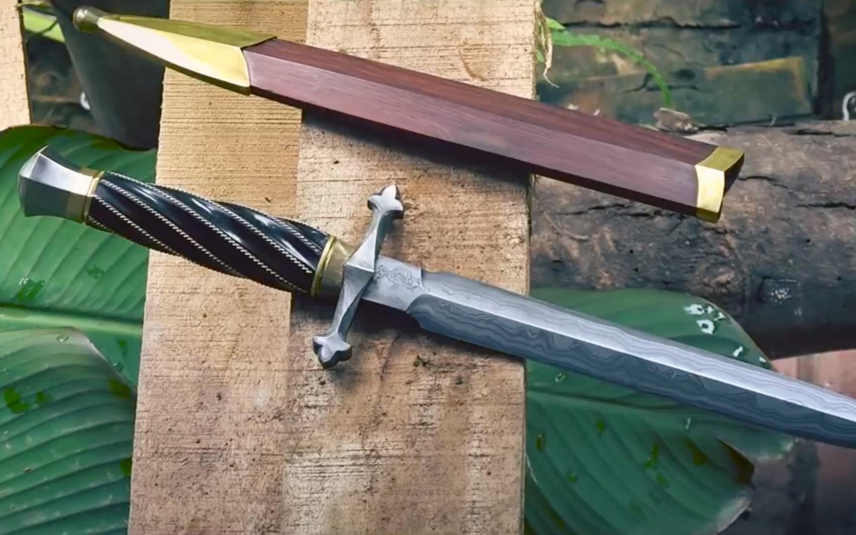 小哥制造一把精致的大马士革匕首(有猛犬出没)