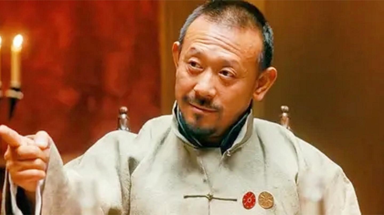 让子弹飞: 导演让姜武临场发挥, 没想他直接超越剧本, 奉为经典