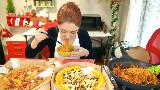【棒子吃货女主播完整版41】披萨×2+泡面+烤鱿鱼 【朴舒妍直播】