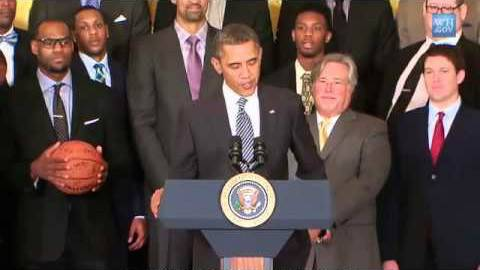 奥巴马和篮球之间的故事