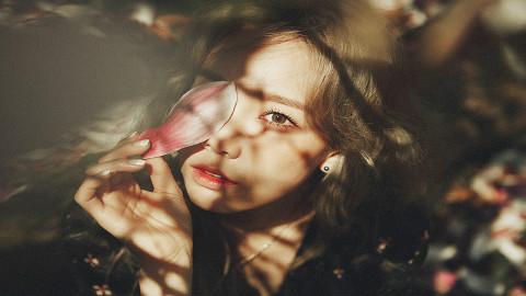 韩流爱豆代言过的游戏唱的主题曲