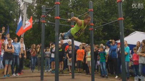 俄罗斯18岁少年街头健身秀Vladimir Tyukhanov 2015_