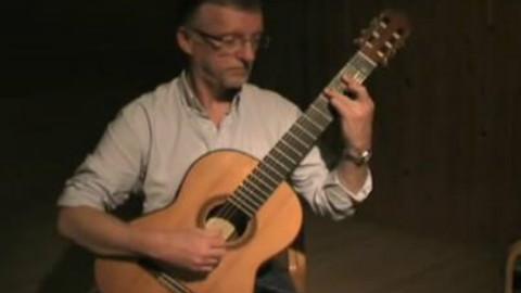 吉他版《卡农》,让人心神安逸的曲子,静静听着很舒服~~