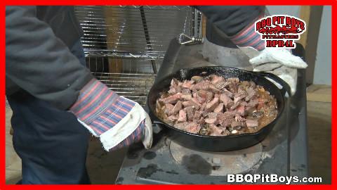 【soso字幕】美国佬土豪BBQ吃法 蘑菇酱鹿肉通脊 @Sofronio