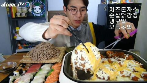 【韩国吃播】BJ奔驰 芝士炸猪排+无骨鸡块+荞麦凉面+什锦寿司[151020]