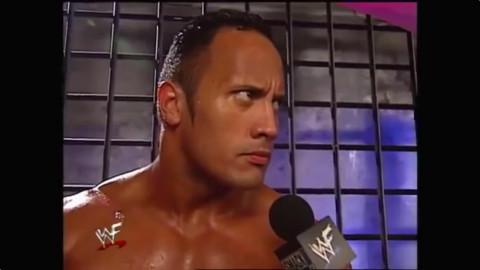 WWE想当年 巨石强森一挑二,干净利落!
