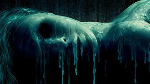 【阿斗出品】几分钟看完血腥惊悚片《恐怖蜡像馆》无人小镇的神秘蜡像馆藏着什么秘密?