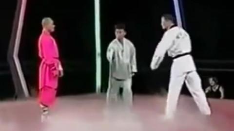 真正的中国少林武僧 对战韩国跆拳道高手 点到为止