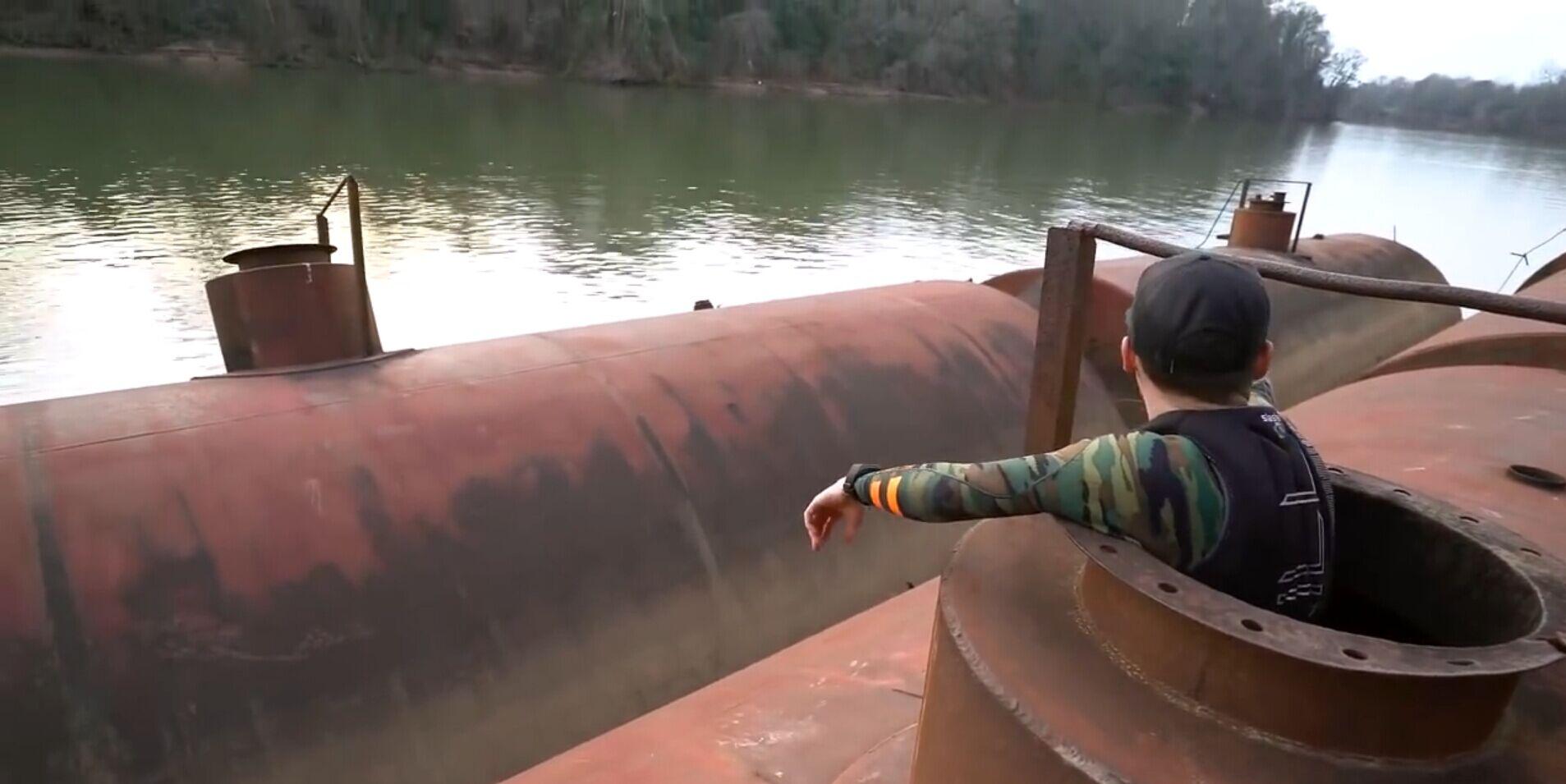 【soso字幕】河底寻宝 半沉的驳船 @Sofronio