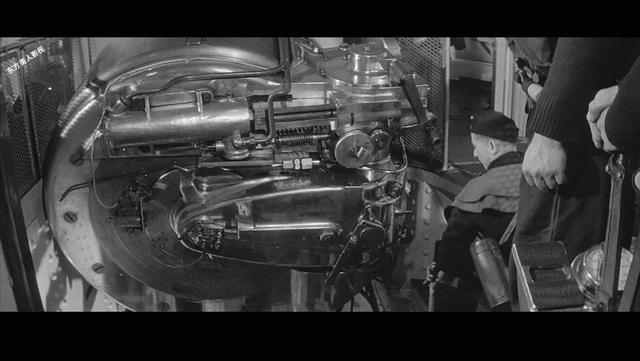 经典黑白战争大片, 英军战舰击沉德军俾斯麦号, 全程实拍装弹过程