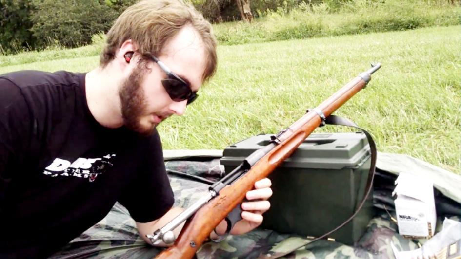 退壳困难的曼利夏M1895直拉式步枪, 看完瞬间就不喜欢了