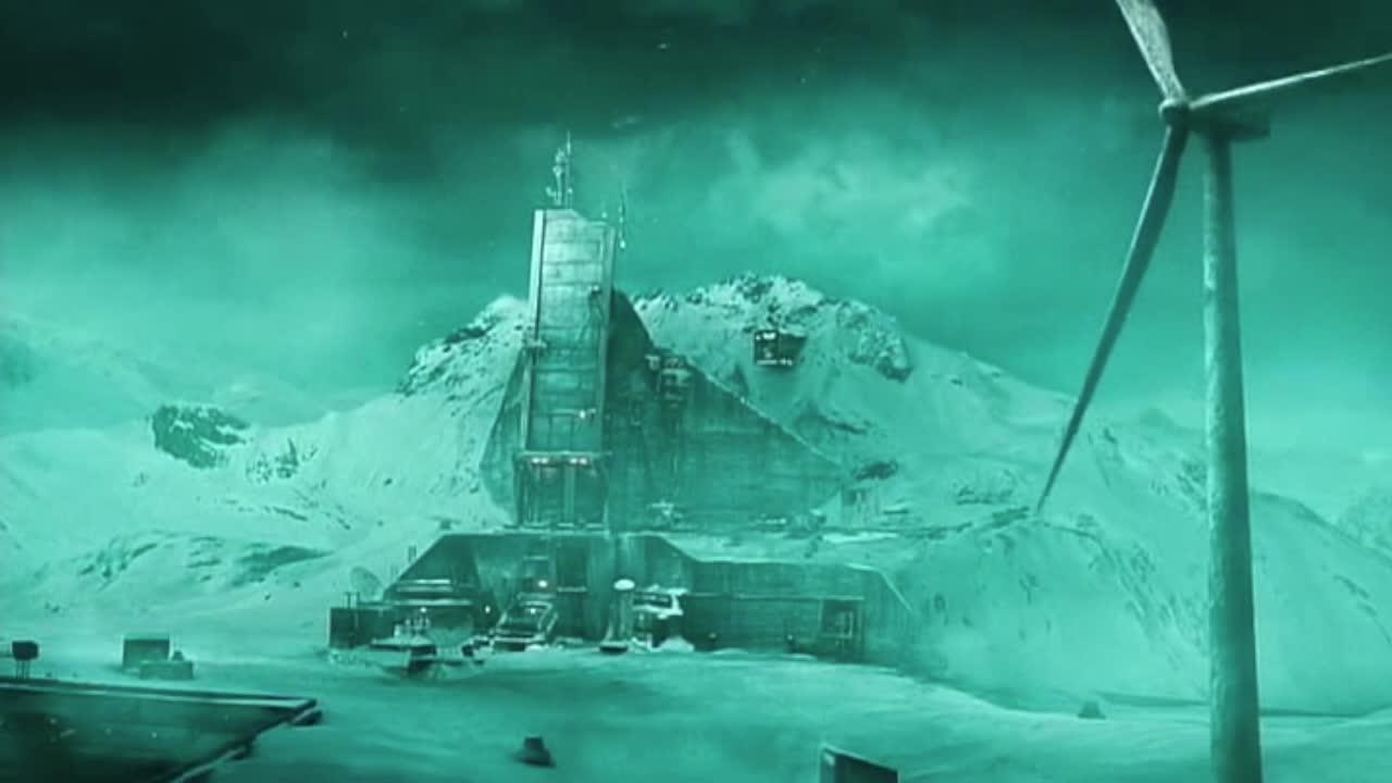影视: 未来世界严寒主宰地球, 部分人类进入地下, 变成残暴食人族
