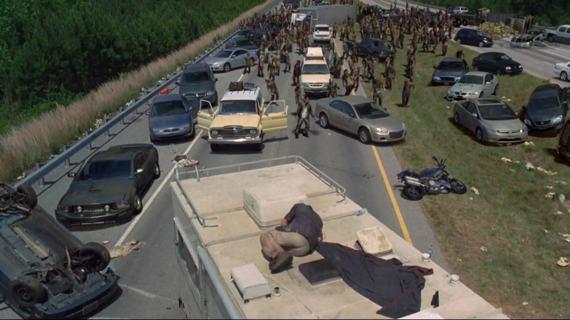 点背的幸存者们,遭遇了小型丧尸群《行尸走肉》第二季1