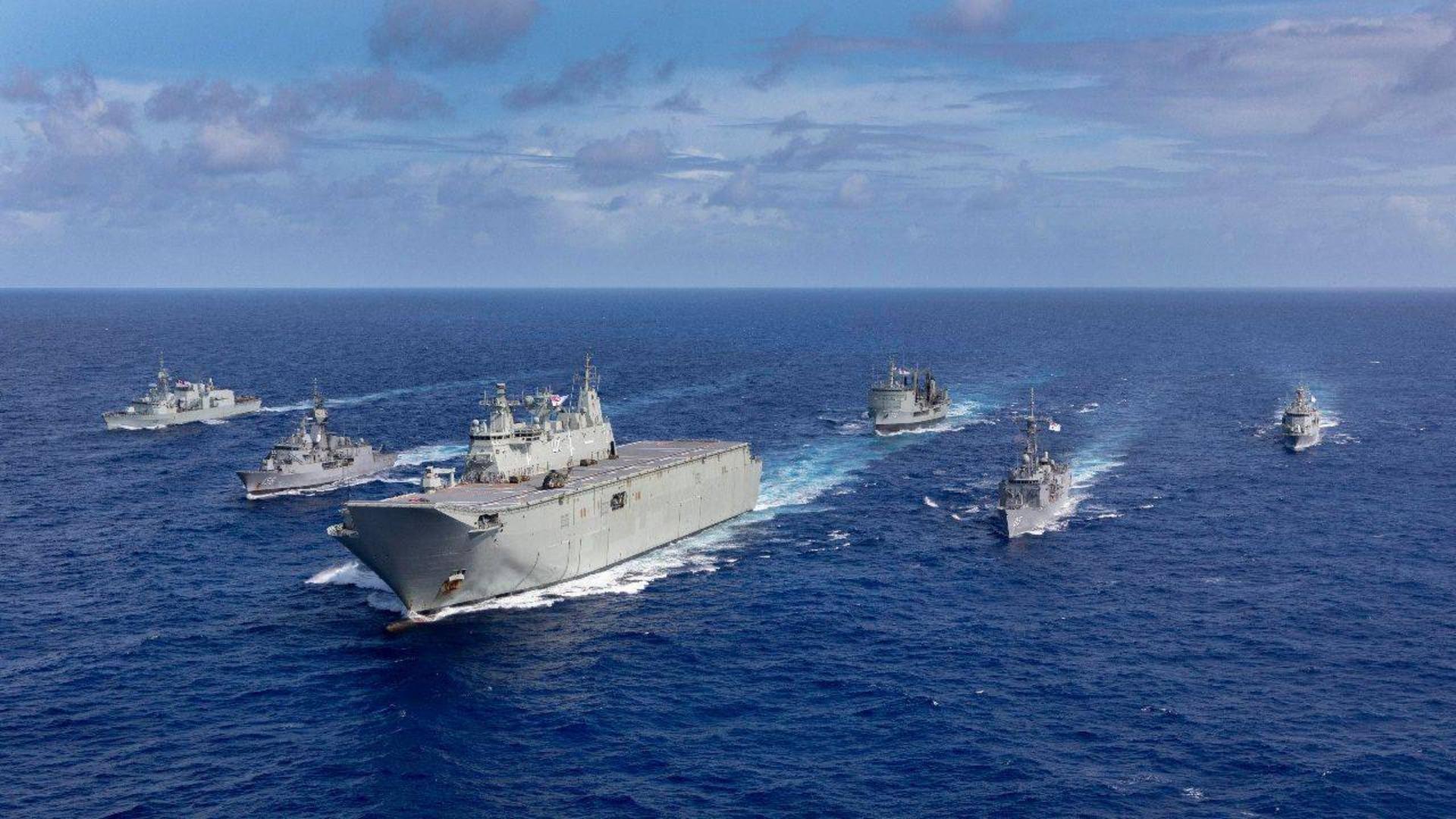 中国海军这十年发展令美心悸:变化惊人,舰艇规模太强大