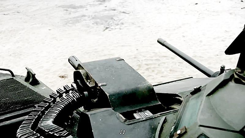 最新大作《末日孤舰》全剧终! 特种部队靠装甲车掩护, 攻下敌军阵地