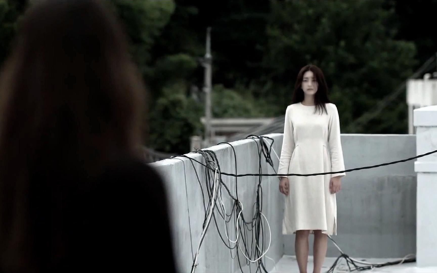 女人死了三十年,她自己却不知道,直到看到一具尸体!韩国电影