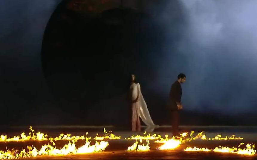 2015年第一届欧洲运动会开幕式点火仪式,仿佛在看一场人类生命的礼赞