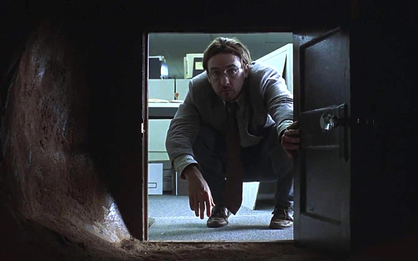 出轨、偷窥、三人行,真想不到20年前的电影这么野!《成为约翰·马尔科维奇》