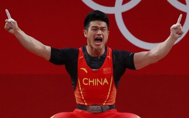 【全程回放】男子举重73公斤级决赛 石智勇卫冕冠军并打破总成绩世界纪录!