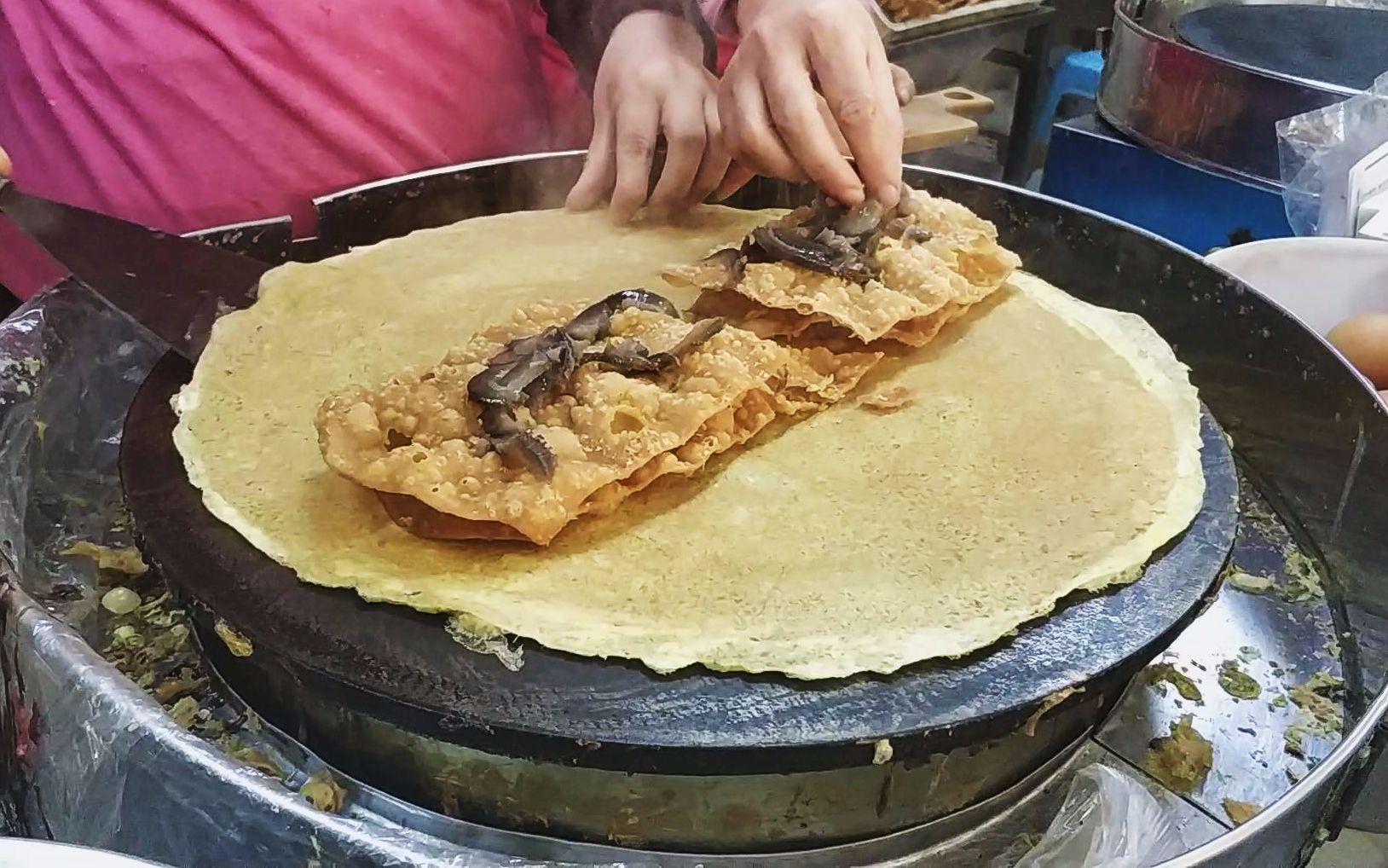 这就是天津最贵的煎饼果子, 78元一套土豪煎饼, 真的有点吃不起啊