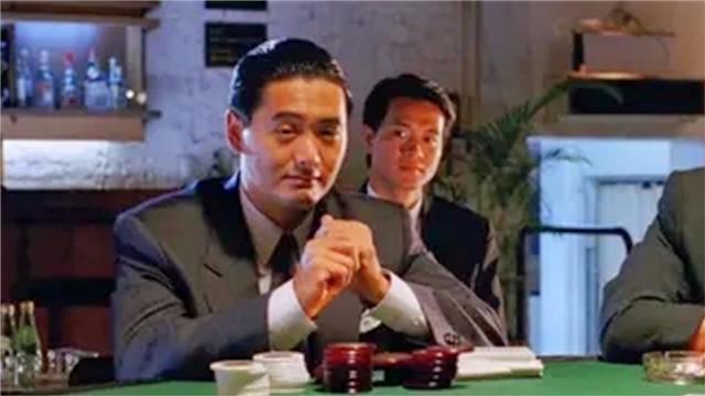 赌神: 高手故意装新手, 一对8都敢跟500万, 对家吓得直接弃牌