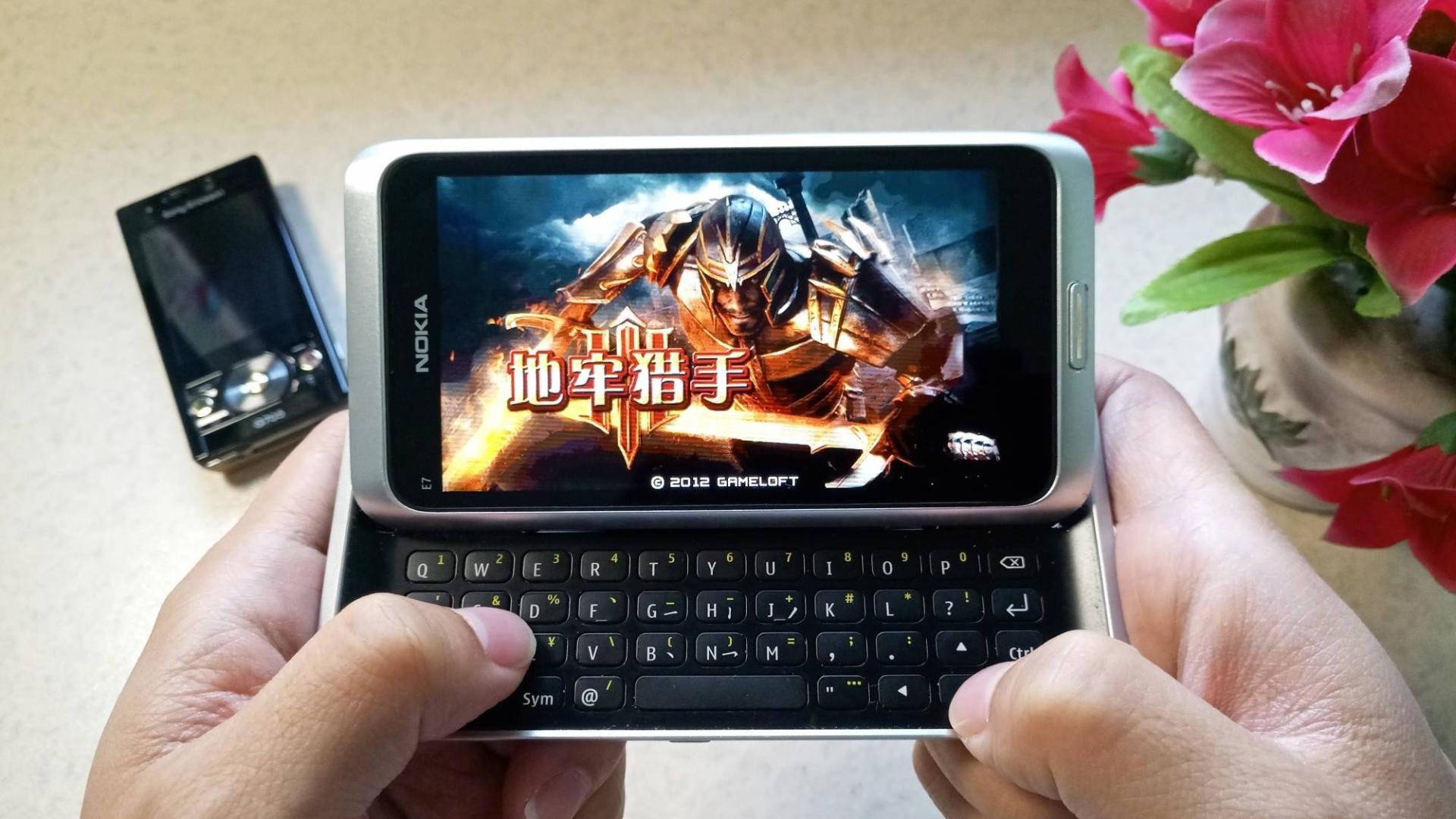 玩法酷似《暗黑破坏神》,塞班经典动作角色扮演游戏《地牢猎手》