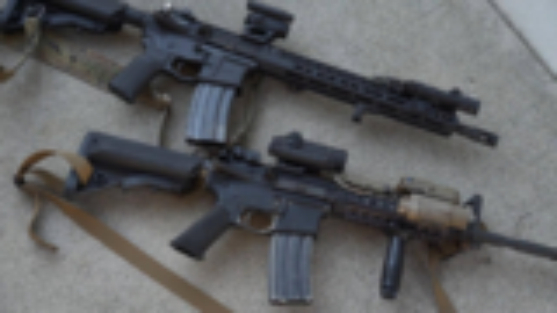 军用 M4 vs  高端民用版本 AR15