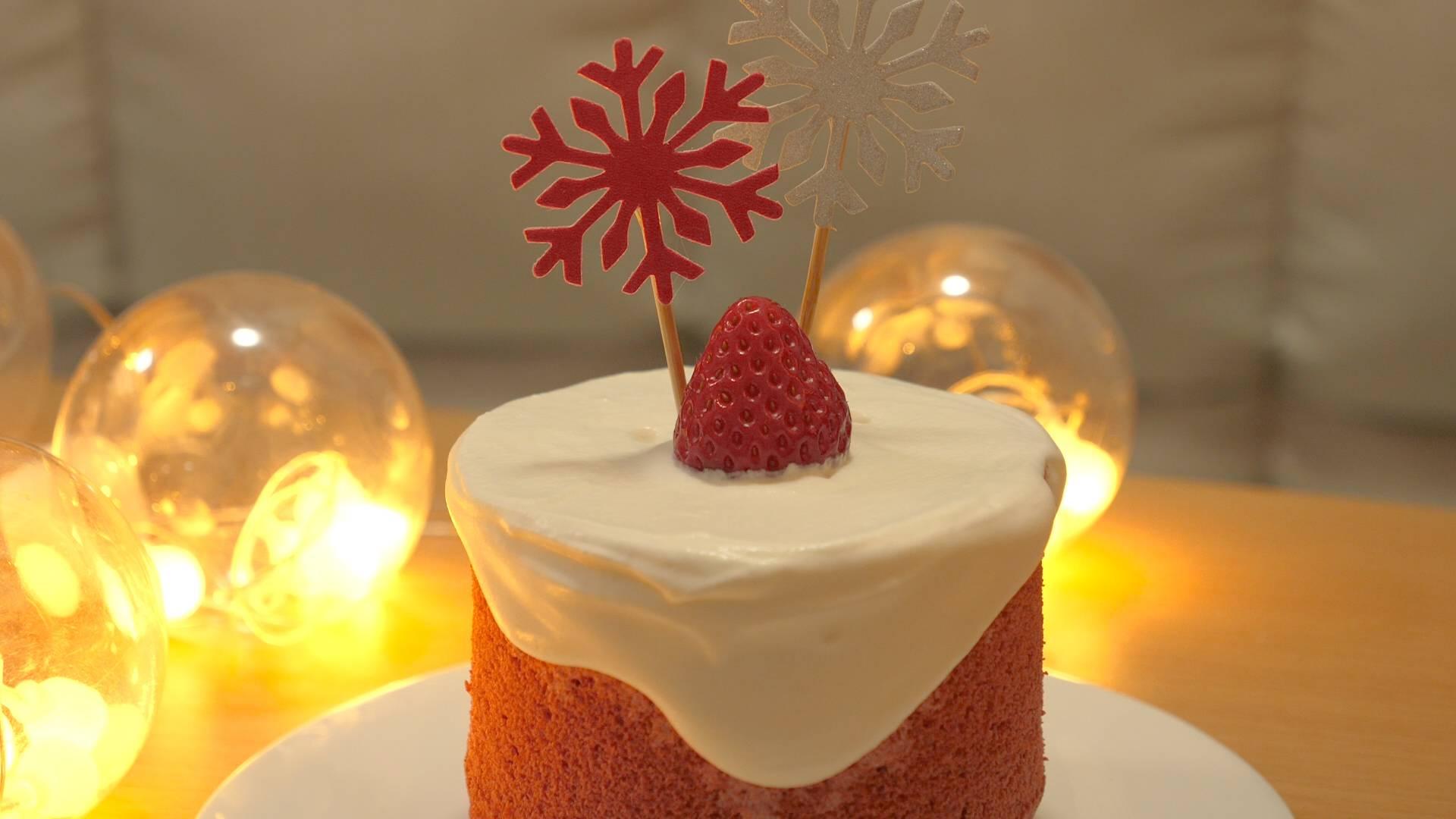 圣诞节到了,教你自己在家做红丝绒蛋糕,方法简单,漂亮又好吃