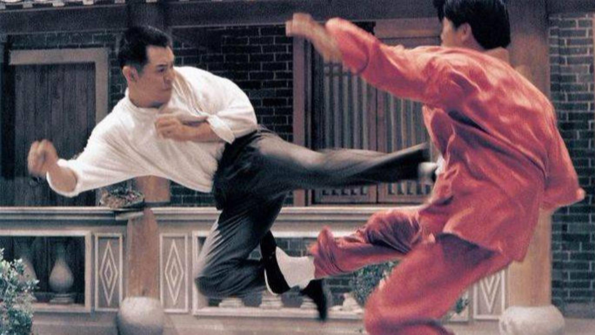 李连杰教科书级的动作片,25年过去了,依旧经典无人超越!