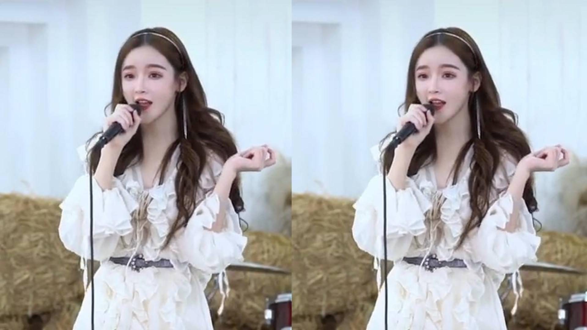 最近女孩翻唱歌曲走红,独特的嗓音略显紧张,网友:实在太好听了