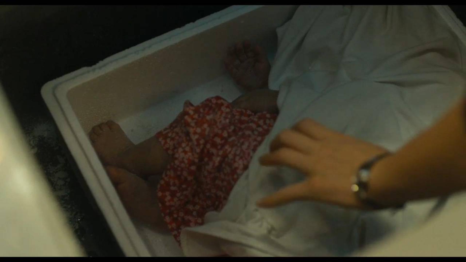 女子在家中冰柜发现一具冻尸,究竟是谁藏在这里的?《迷失:消失的女人》