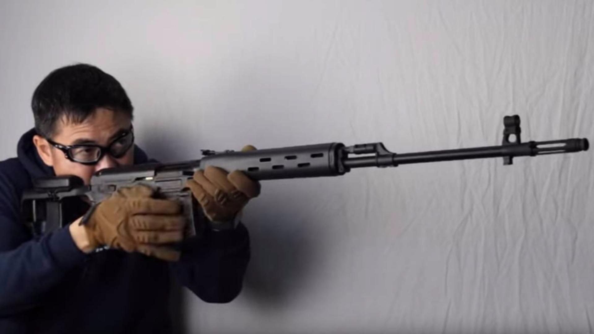 日本壕堺大叔:最终的超级步枪德拉格诺夫SVD测评!