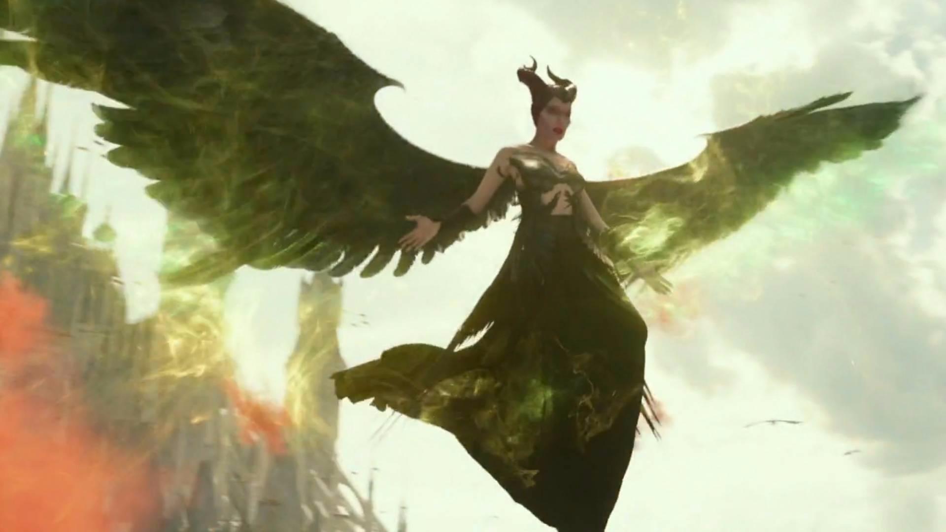 女孩拥有远古凤凰的血脉,死后变成一只黑凤凰,一部奇幻动作电影