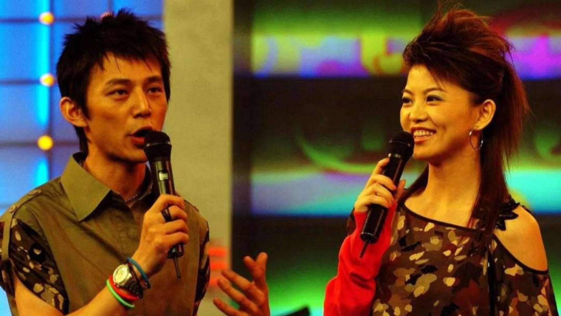 何炅早年主持视频曝光,和李湘台上互捧暴露出他另外一个身份