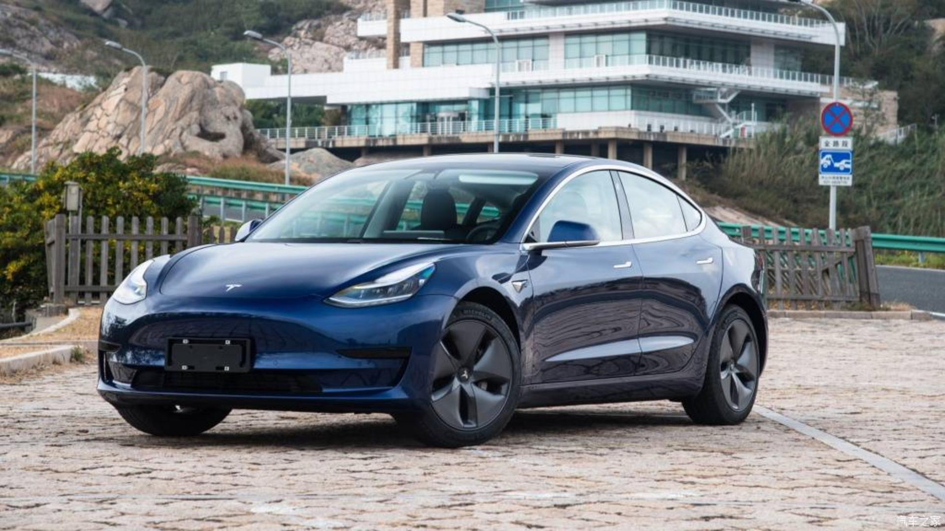 「汽车V报」国产版Model 3售价跌破30万;博越PRO新增1.8T智联型上市-20200103