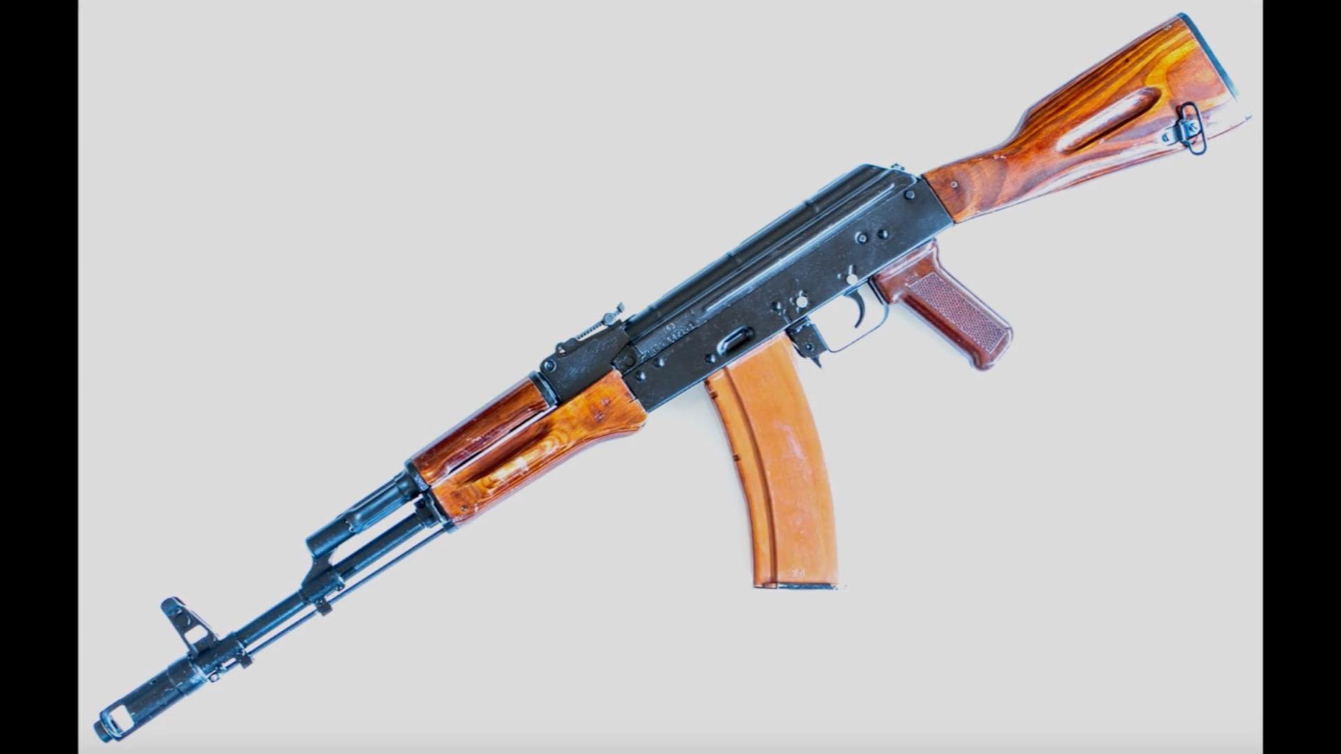 1980年苏联图拉兵工厂的AK-74展示
