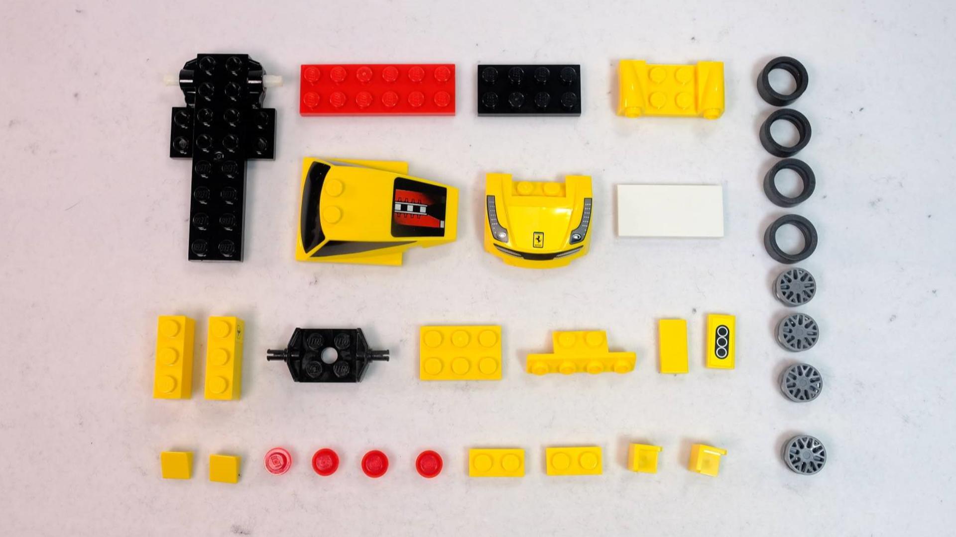 如何用32片简单的乐高,搭建一辆漂亮的法拉利458跑车?