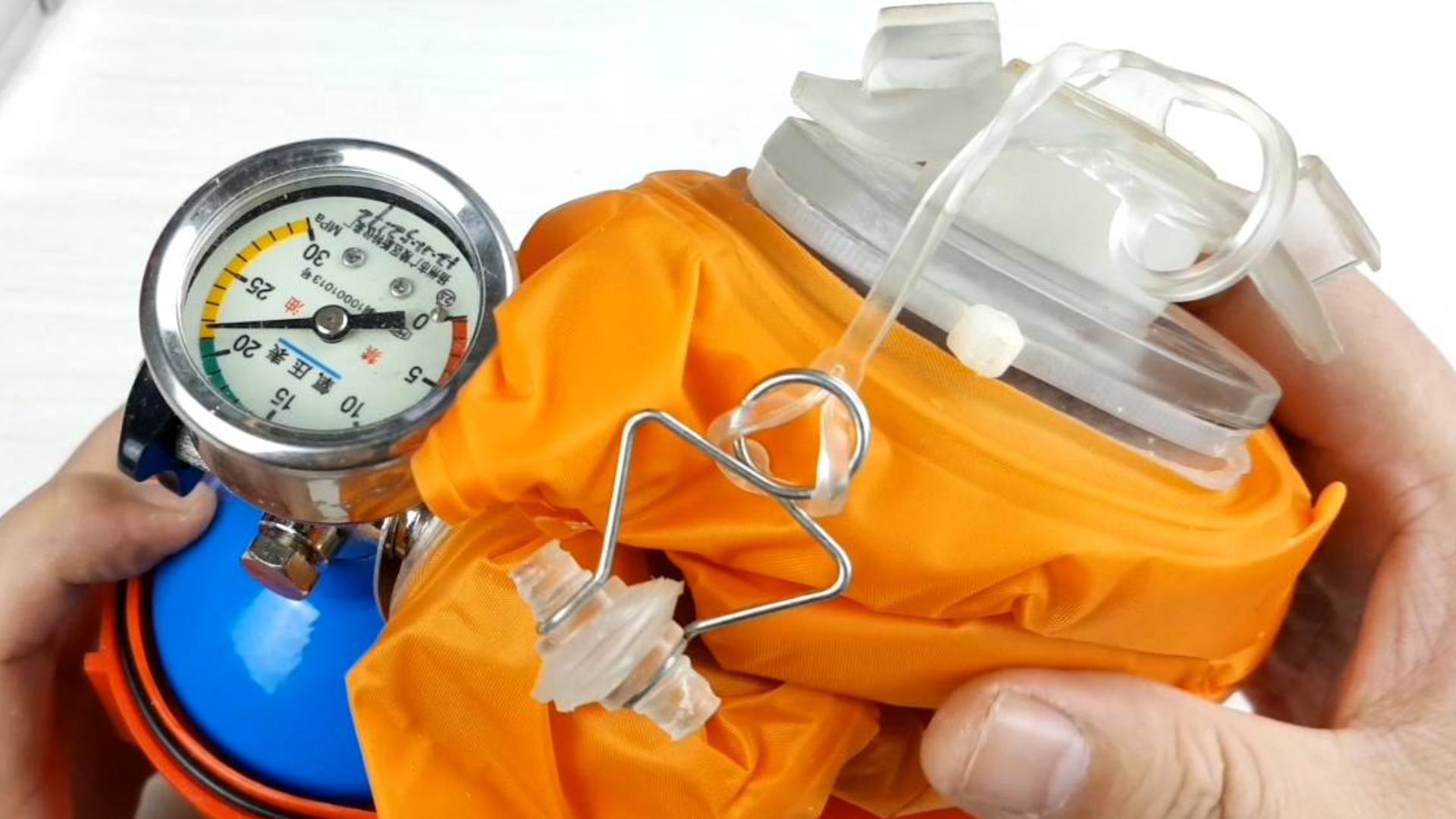 拆解压缩氧自救器,学会使用方法和原理,生化危机来临时不被变丧尸