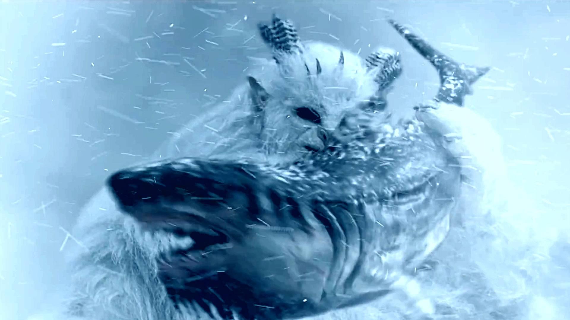 巨鲨以为自己是雪原霸主,结果在巨兽面前,不过是块肉!