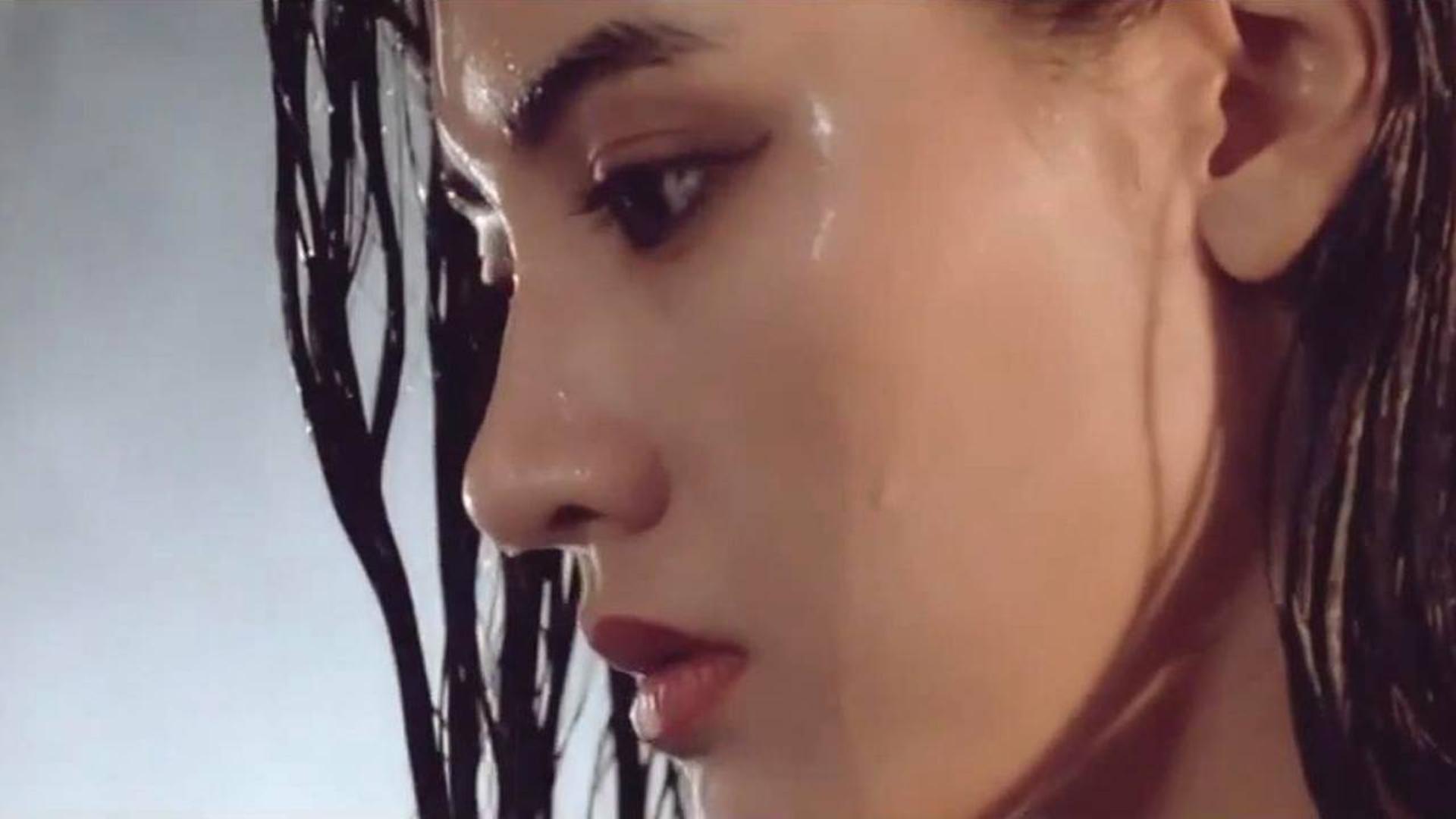 邓丽君演唱的《漫步人生路》,声音甜美温婉动人,实在太好听了!