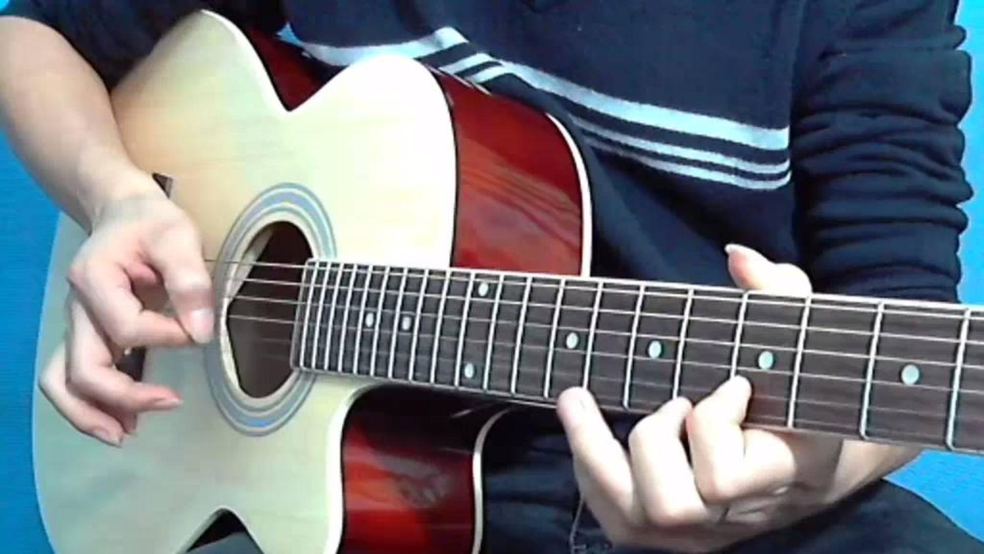 第84课吉他教学讲解,周笔畅成名曲《笔记》的弹唱部分